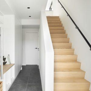 Escalier dans une maison contemporaine