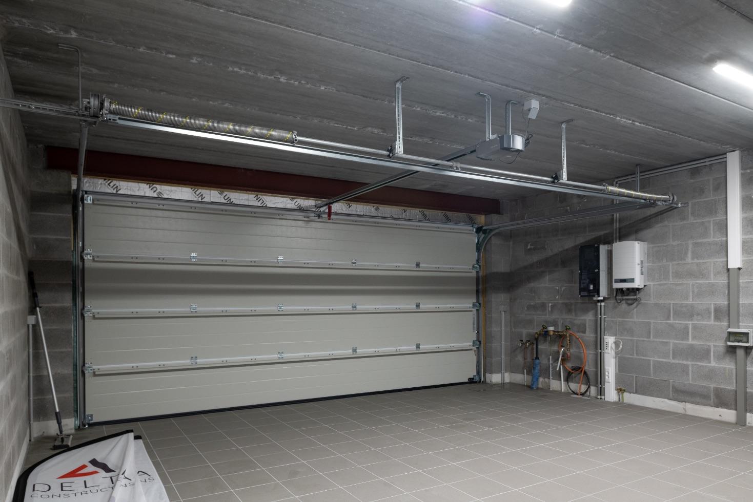 Garage d'une construction contemporaine à Esneux