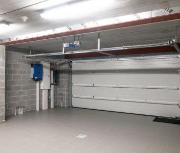 Garage d'une maison contemporaine à Verlaine