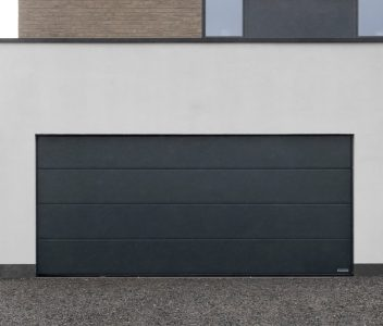 Porte de garage de maison contemporaine à Jupille