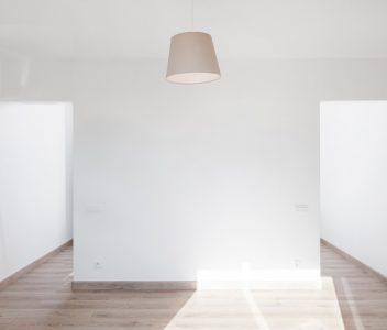 Chambre dans une maison contemporaine à Beez