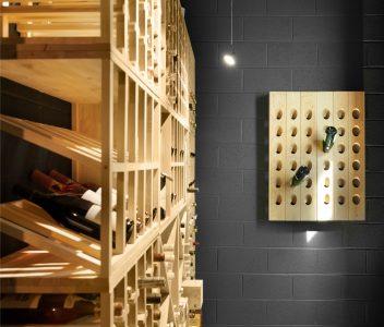 Cave à vins dans une maison contemporaine à Lasne