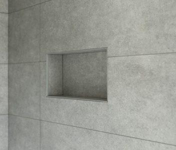 Niche dans la paroi d'une douche contemporaine