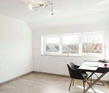 Bureau de maison contemporaine à Welkenraedt