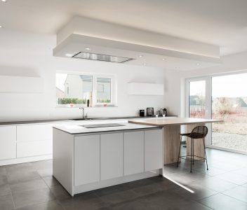 Plan large d'une cuisine de maison contemporaine à Welkenraedt