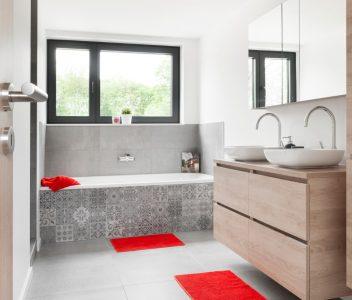 Salle de bains dans une maison contemporaine à Beaufays