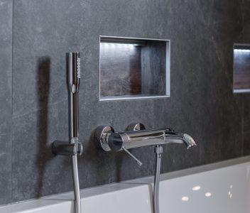Robinetterie Grohe dans une salle de bains design à Omal